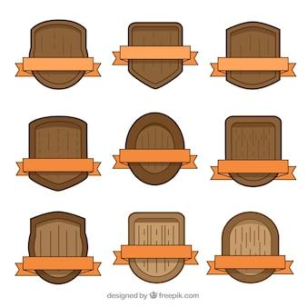 Ensemble de boucliers en bois avec des rubans oranges