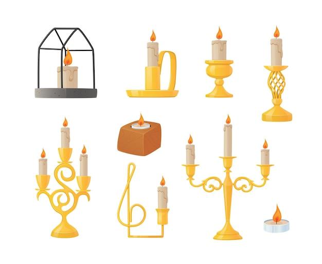 Ensemble de bougies dans différents chandeliers