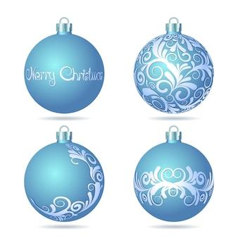 Ensemble de boules de noël bleues sur fond blanc.