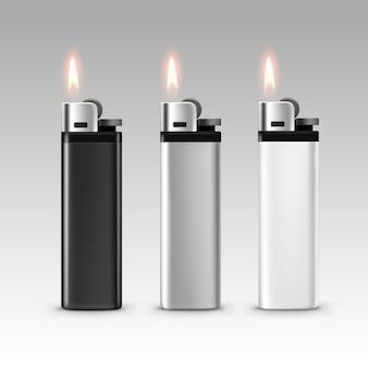 Ensemble de briquets en plastique blanc noir blanc avec flamme close up isolé sur fond blanc