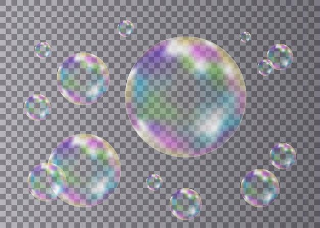 Ensemble de bulles de savon colorées transparentes réalistes avec reflet arc-en-ciel isolé sur damier
