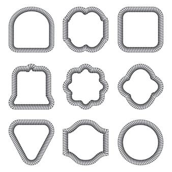 Un ensemble de cadres de différentes formes de la corde.