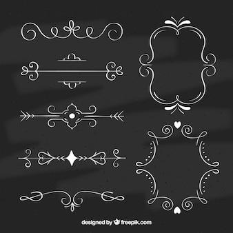 Ensemble de cadres et de flèches dans le style tableau noir