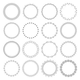 Ensemble de cadres ronds géométriques pour enfants. objets dessinés à la main.
