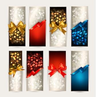Ensemble de cartes-cadeaux colorées avec des nœuds cadeaux avec des rubans