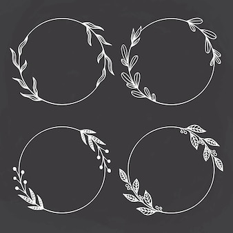 Ensemble de cercle floral ou couronne avec style dessiné à la main sur fond de tableau