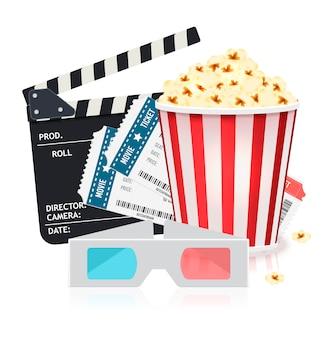 Ensemble de cinéma avec seau de pop-corn, billets, lunettes 3d et clapper board.