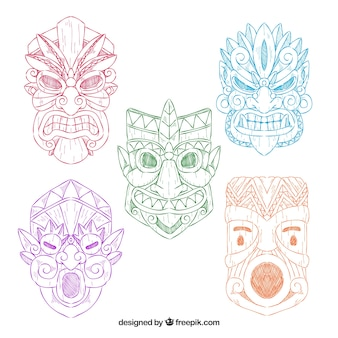 Ensemble de cinq croquis de masques tiki colorés