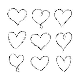 Ensemble de coeurs dessinés à la main
