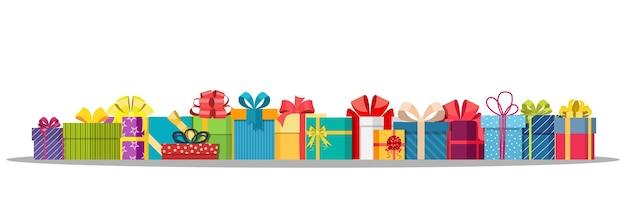 Ensemble de coffrets cadeaux isolés sur blanc.
