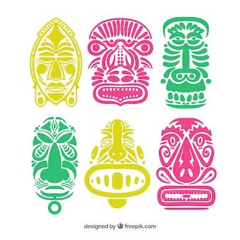 Ensemble coloré de masques tribaux