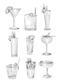 Ensemble de croquis dessinés à la main de boissons dans des verres à cocktail. boissons alcoolisées. verre à cocktail dans un verre à whisky, soucoupe à champagne, verre de roches, verre à liqueur, verre zombie, verre à vin ballon, verre à martini
