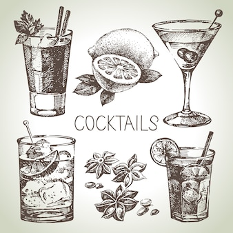Ensemble de croquis dessinés à la main de cocktails alcoolisés. illustration