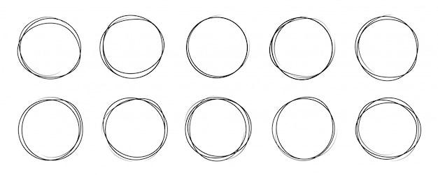 Ensemble de croquis de ligne de cercle dessiné à la main. art design rond scribble circulaire
