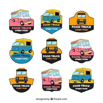 Ensemble dessiné à la main de logos de camions alimentaires