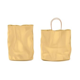 Ensemble de deux sacs en papier vides isolés