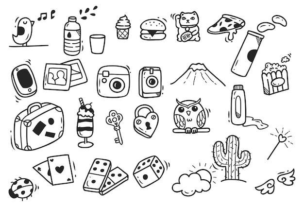 Ensemble de doodle mignon dessinés à la main