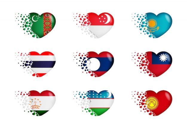 Ensemble de drapeaux nationaux avec des petits coeurs volants