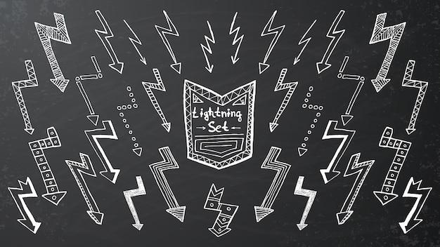 Ensemble d'éclairs dessinés à la main