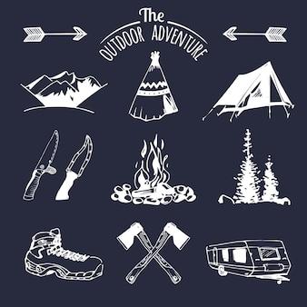Ensemble d'éléments de camping vintage pour logos
