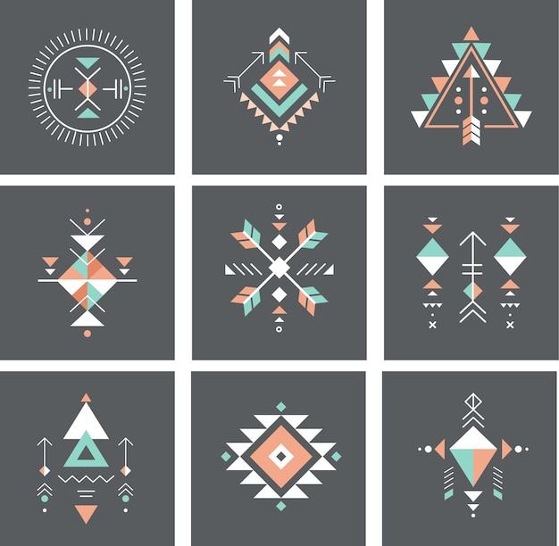 Ensemble d'éléments tribaux et aztèques