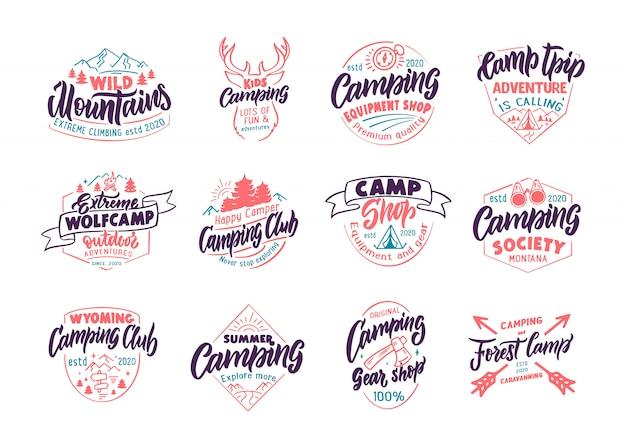 Ensemble d'emblèmes et de timbres camping vintage. boutique color camp, badges extérieurs, modèles et autocollants