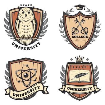 Ensemble d'emblèmes universitaires colorés vintage