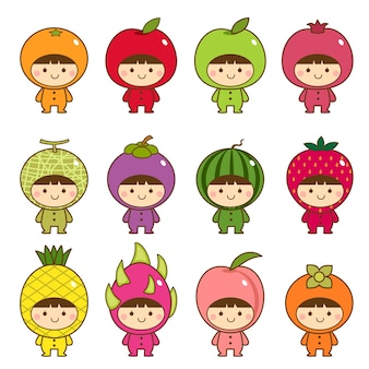 Ensemble d'enfants en costumes de fruits mignons