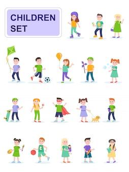 Ensemble d'enfants dans différentes poses et différentes activités.