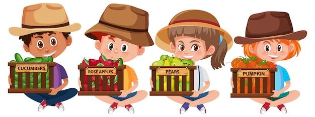 Ensemble d'enfants avec des fruits ou des légumes sur fond blanc