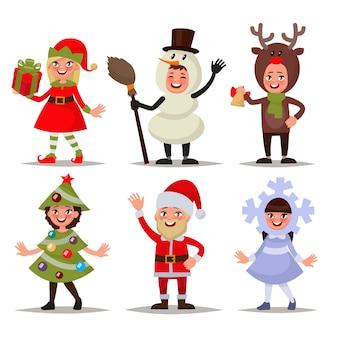 Ensemble d'enfants heureux vêtus de costumes de noël. elfe, bonhomme de neige, renne, père noël, arbre de noël, flocon de neige. illustration