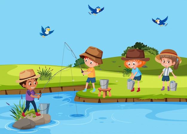 Ensemble d'enfants pêchant dans la rivière