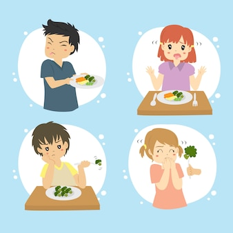 Ensemble d'enfants refusent de manger ensemble de vecteur de légumes