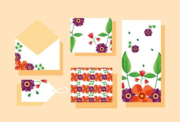 Ensemble d'enveloppe, carte, étiquette ou tag avec thème de fleurs