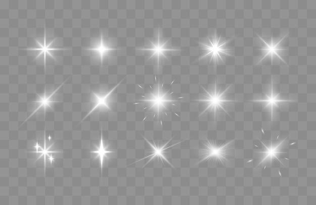 Ensemble d'étincelles brillantes et de fusées éclairantes lumières rougeoyantes isolées sur fond transparent vecteur malade...
