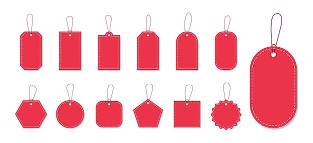 Ensemble d'étiquettes de prix rouges vides et étiquettes avec corde pour la conception de la promotion.