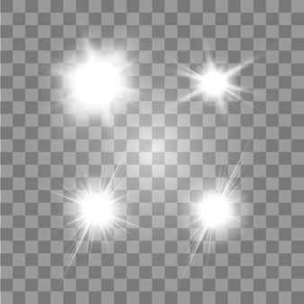 Ensemble d'étoiles à effet de lumière rougeoyante éclate d'étincelles sur fond transparent. étoiles transparentes.