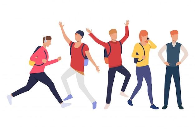 Ensemble d'étudiants hipster excité avec cartables