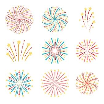 Ensemble de feux d'artifice colorés festifs isolés