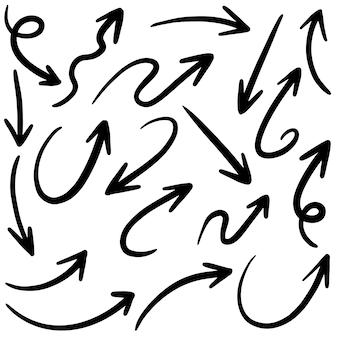 Ensemble de flèches vectorielles dessinés à la main doodle