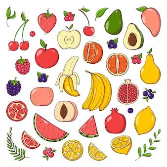 Ensemble de fruits et de baies dessinés à la main