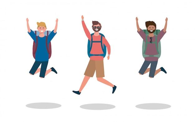 Ensemble d'hommes heureux sautant avec lunettes de soleil et sac à dos