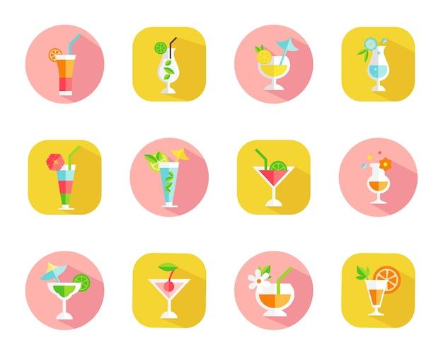 Ensemble d'icônes de cocktails tropicaux sur des boutons web colorés avec des cocktails dans des verres de différentes formes