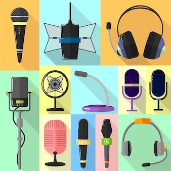 Ensemble d'icônes différentes avec des microphones.