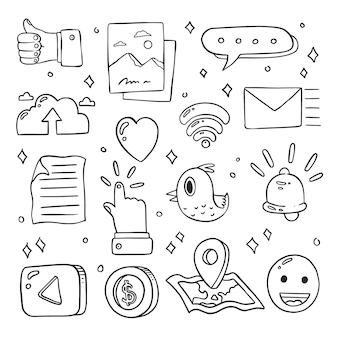 Ensemble d'icônes de médias sociaux mignons doodle dessinés à la main