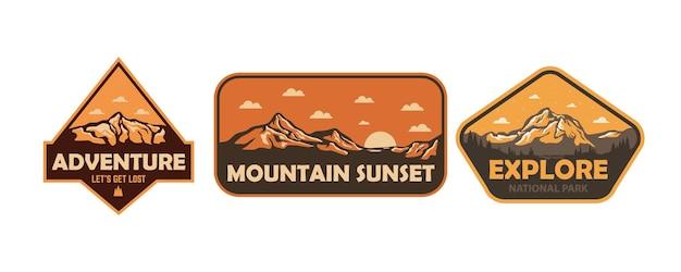 Ensemble d'illustration d'autocollant de patch emblème de badges extérieurs vintage de montagne