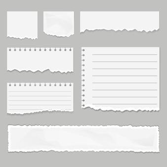 Ensemble isolé de bouts de papier