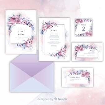 Ensemble de jolies invitations de mariage floral