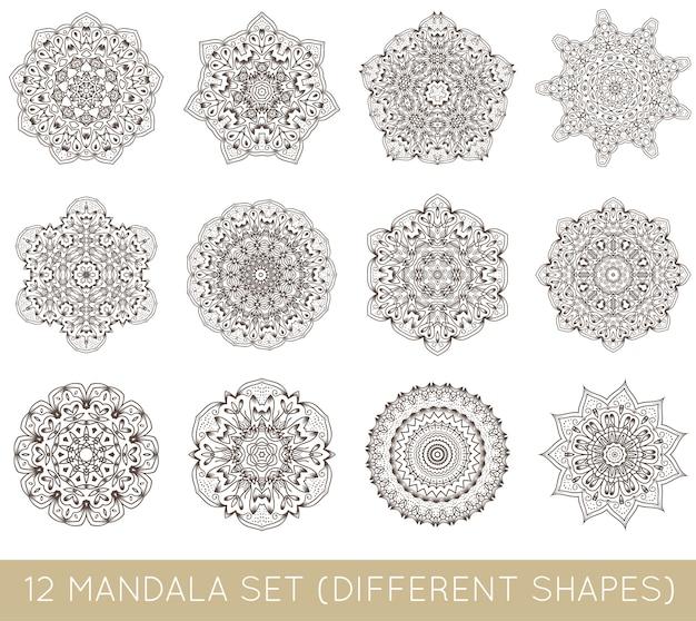 Ensemble de mandala fractal ethnique isolé sur blanc