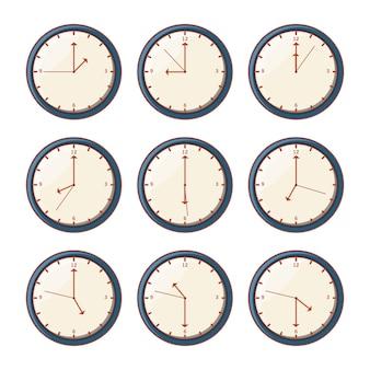 Ensemble de montres avec des heures différentes